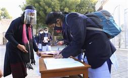 ਦਿੱਲੀ 'ਚ 10ਵੀਂ ਤੇ 12ਵੀਂ ਦੇ ਵਿਦਿਆਰਥੀਆਂ ਲਈ ਸਕੂਲ ਮੁੜ ਖੁੱਲ੍ਹੇ