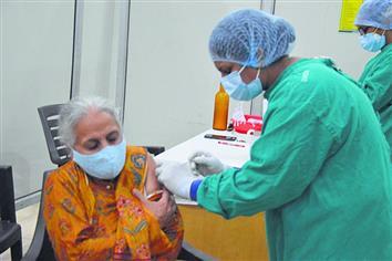 ਕਰੋਨਾ: ਟੀਕਾਕਰਨ ਲਈ ਸੇਵਾ ਕੇਂਦਰ 'ਤੇ ਰਜਿਸਟ੍ਰੇਸ਼ਨ ਸ਼ੁਰੂ