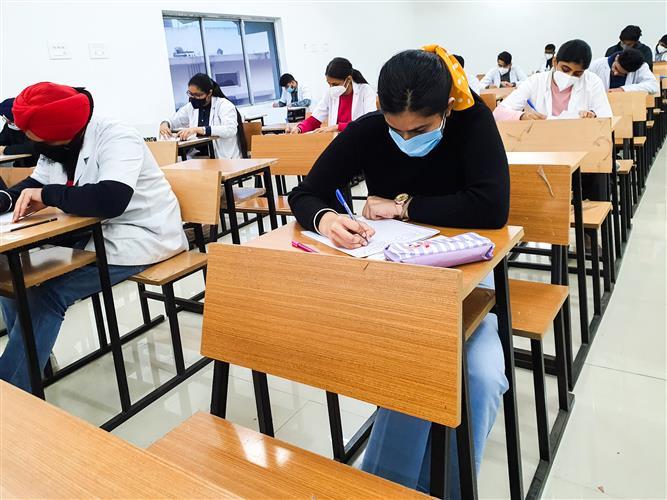 ਚੰਡੀਗੜ੍ਹ: ਸਾਰੀਆਂ ਸਿੱਖਿਆ ਸੰਸਥਾਵਾਂ 31 ਮਈ ਤੱਕ ਬੰਦ, ਸਕੂਲਾਂ 'ਚ 10 ਮਈ ਤੋਂ ਗਰਮੀਆਂ ਦੀਆਂ ਛੁੱਟੀਆਂ