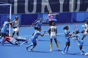 ਓਲੰਪਿਕ ਮਹਿਲਾ ਹਾਕੀ ਸੈਮੀ-ਫਾਈਨਲ: ਭਾਰਤੀ ਖਿਡਾਰਨ ਗੁਰਜੀਤ ਕੌਰ ਨੇ ਪਹਿਲੇ ਦੋ ਮਿੰਟਾਂ ਵਿੱਚ ਗੋਲ ਦਾਗਿਆ